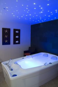 free-standing-bathtub-rectangular-acrylic-whirlpool-61681-1678077