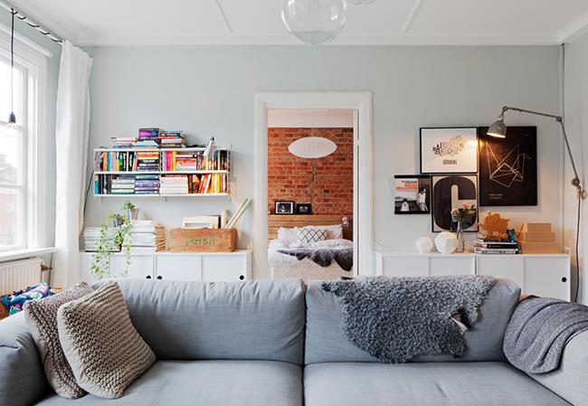 liten-plass-ungt-trendy-smarte-losninger-stue-sofa-xaSj5HVlcRqbUbVhm6tjcA